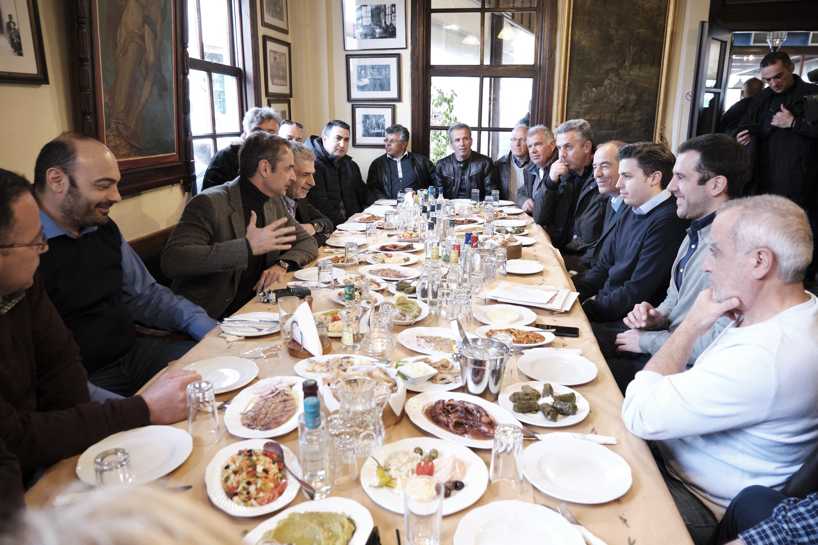 Συνάντηση του Προέδρου της ΝΔ Κ. Μητσοτάκη με παραγωγούς στη Λέσβο
