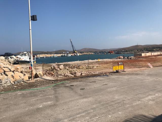 Στο λιμάνι Σιγρίου και το δρόμο Καλλονής - Σιγρίου