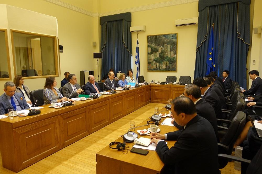 Συνάντηση με αντιπροσωπεία δικαστών της Κίνας