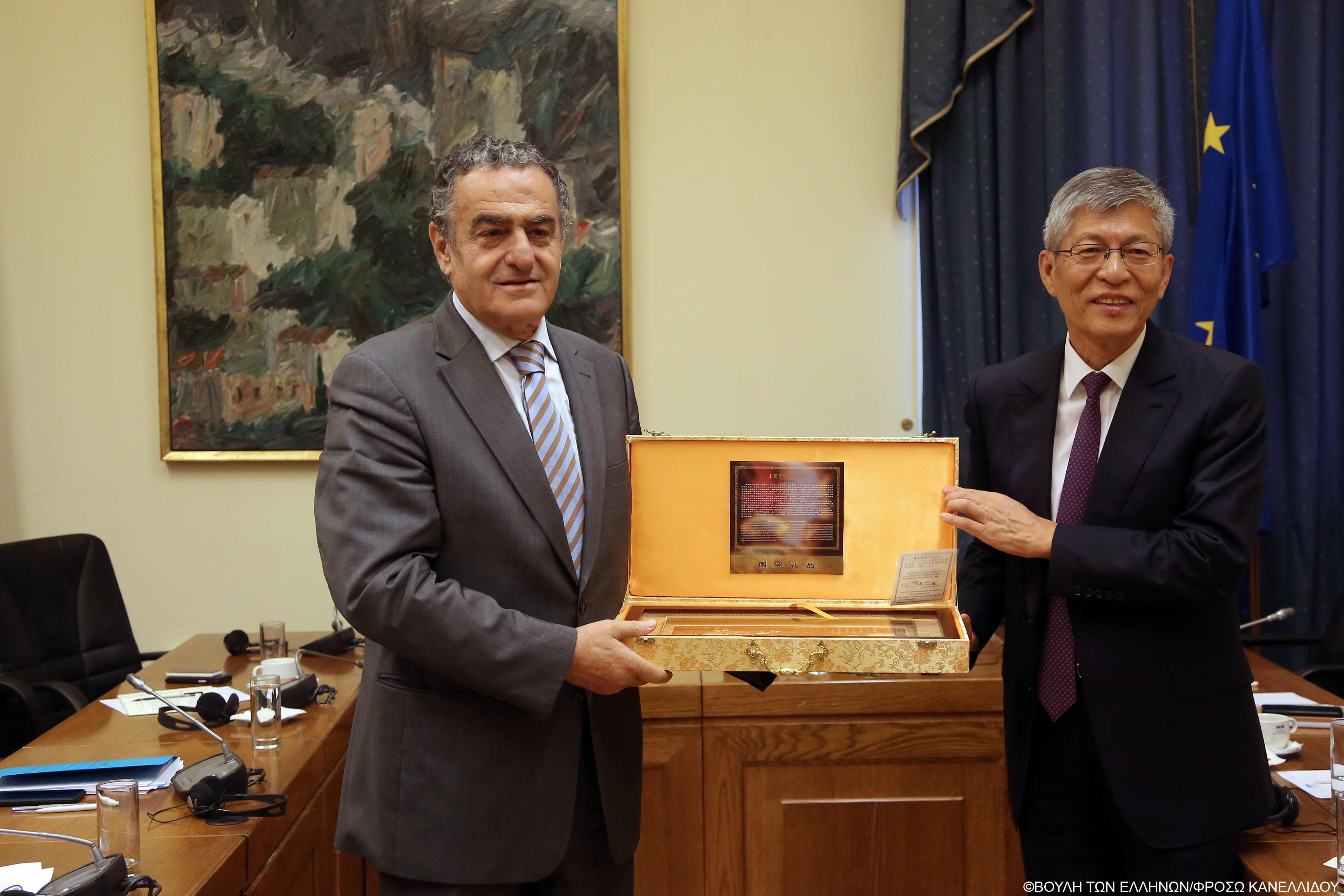 Συνάντηση με Αντιπροσωπεία του Εθνικού Κογκρέσου της Κίνας