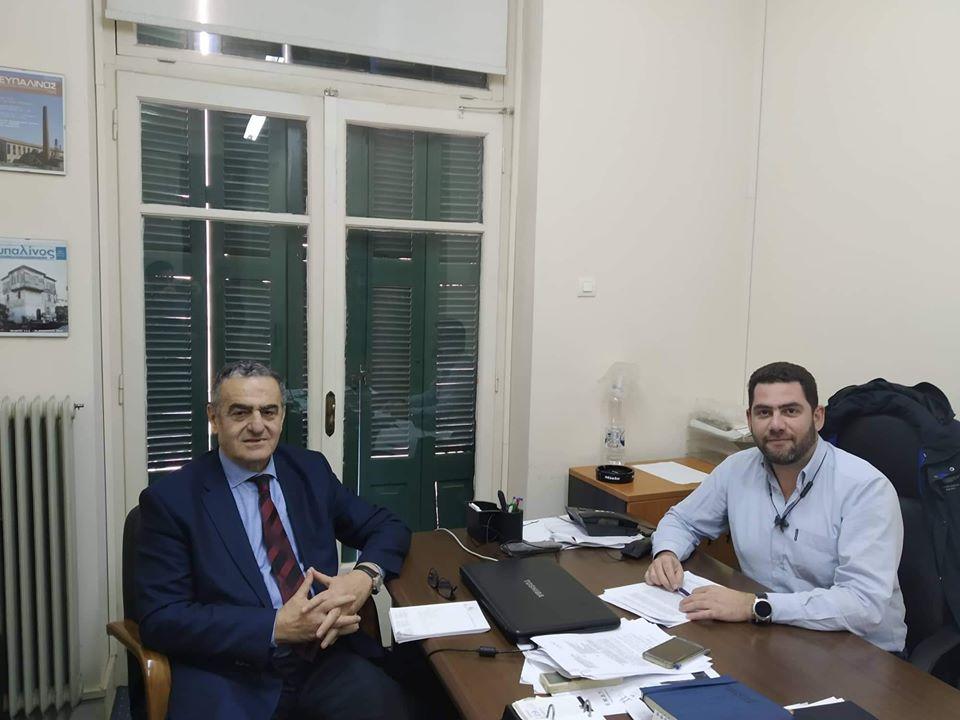 Συνάντηση του Χαράλαμπου Αθανασίου με τον Πρόεδρο του Τεχνικού Επιμελητηρίου Ελλάδος του Περιφερειακού Τμήματος Βορειοανατολικού Αιγαίου, κ. Στρατή Μανωλακέλλη, στα γραφεία του Τ.Ε.Ε. Μυτιλήνης με θέμα το Εθνικό Κτηματολόγιο